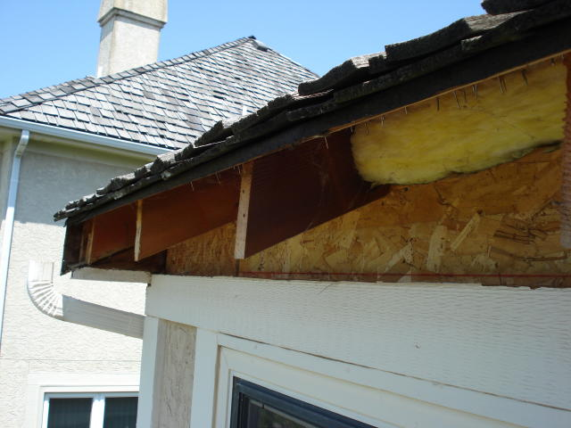 Attaching a deck roof to house