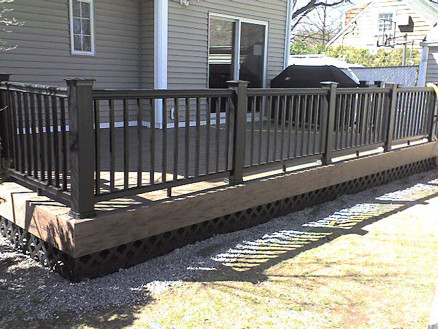 Black deck lattice