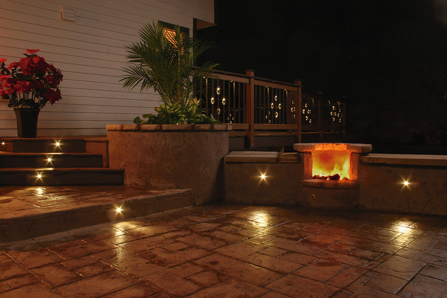 Deck and patio lighting fixtures