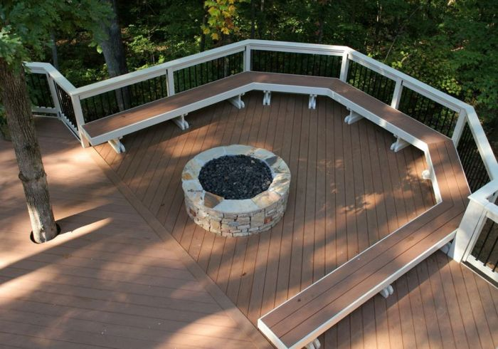 Deck around fire pit