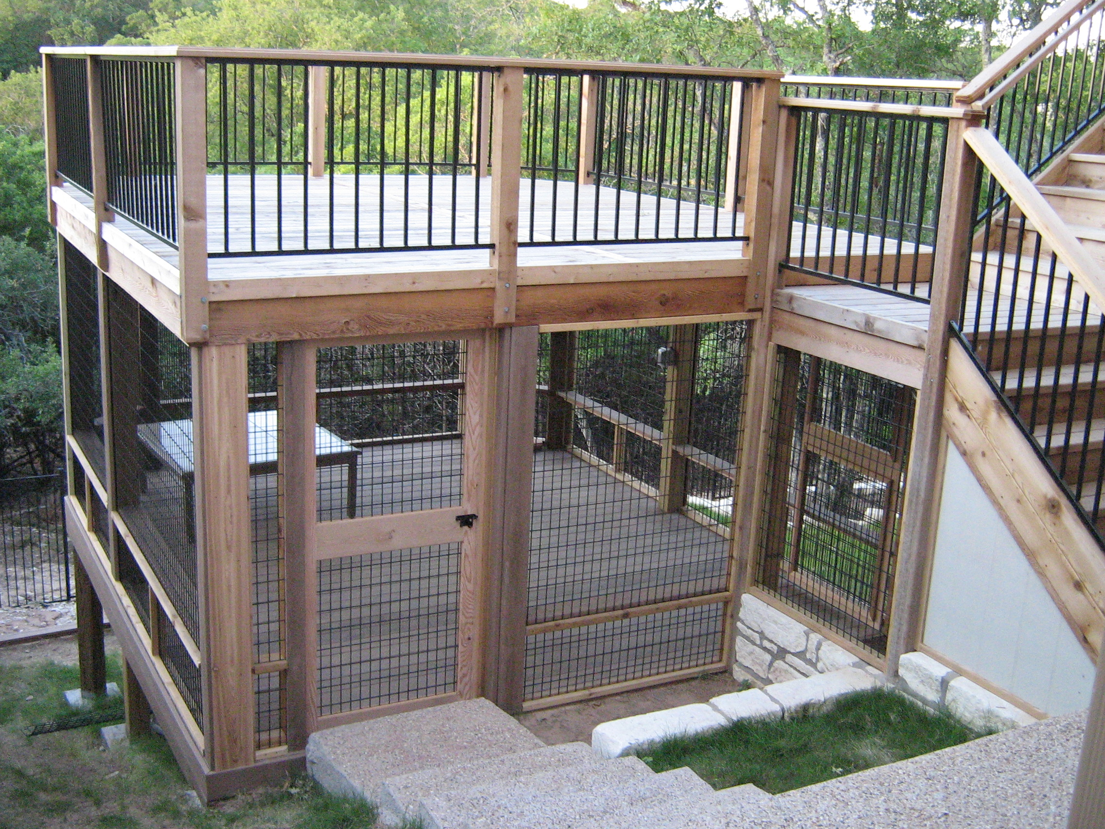 Deck enclosures for cats