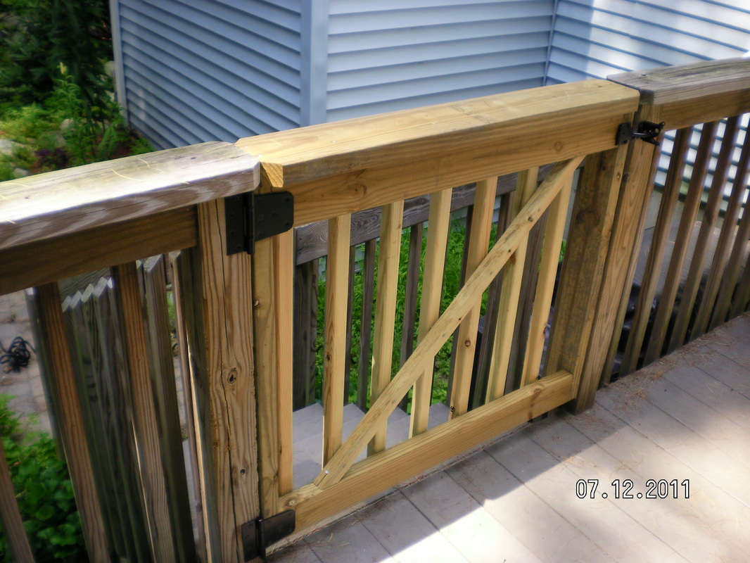 Deck gate for dogs