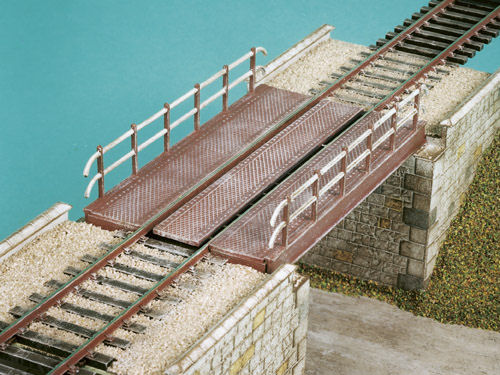 Deck girder bridge