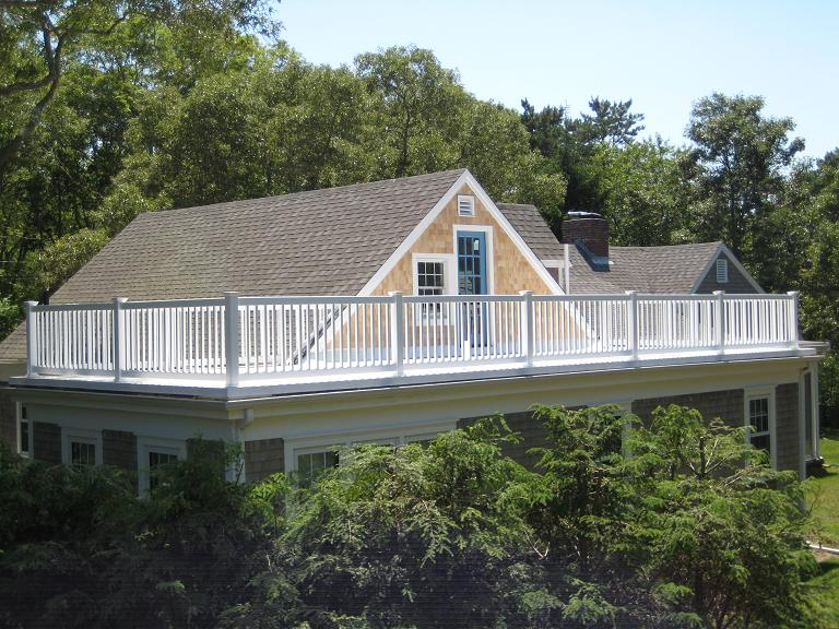Deck house roof construction