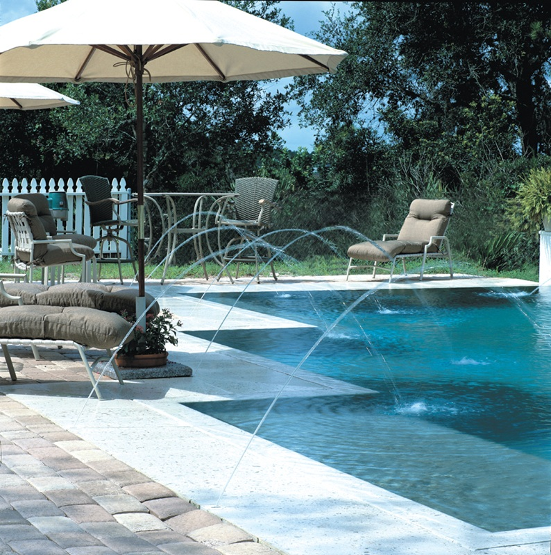 Deck jets for pools