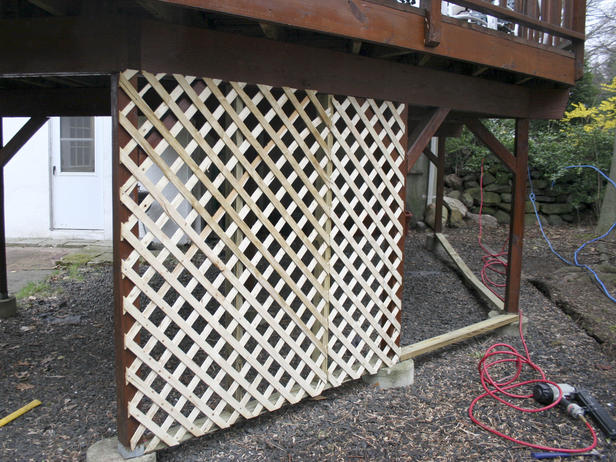 Deck lattice installation