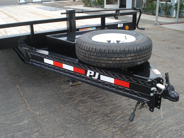 Deck over tilt bed trailer