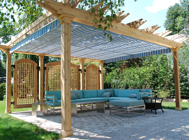Deck pergola with canopy