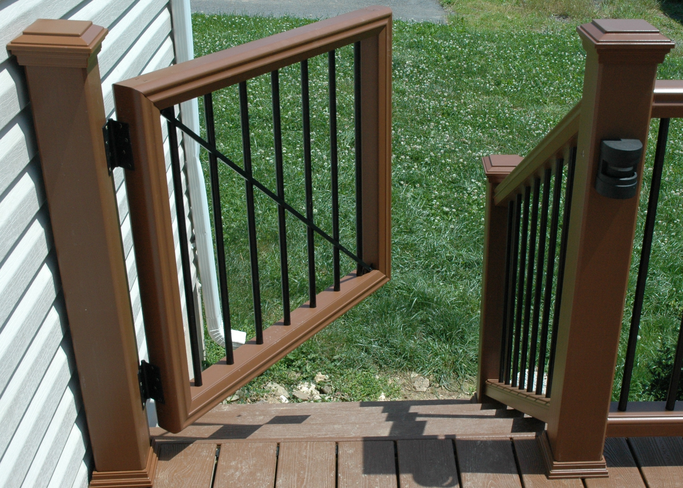 Deck railing with gate