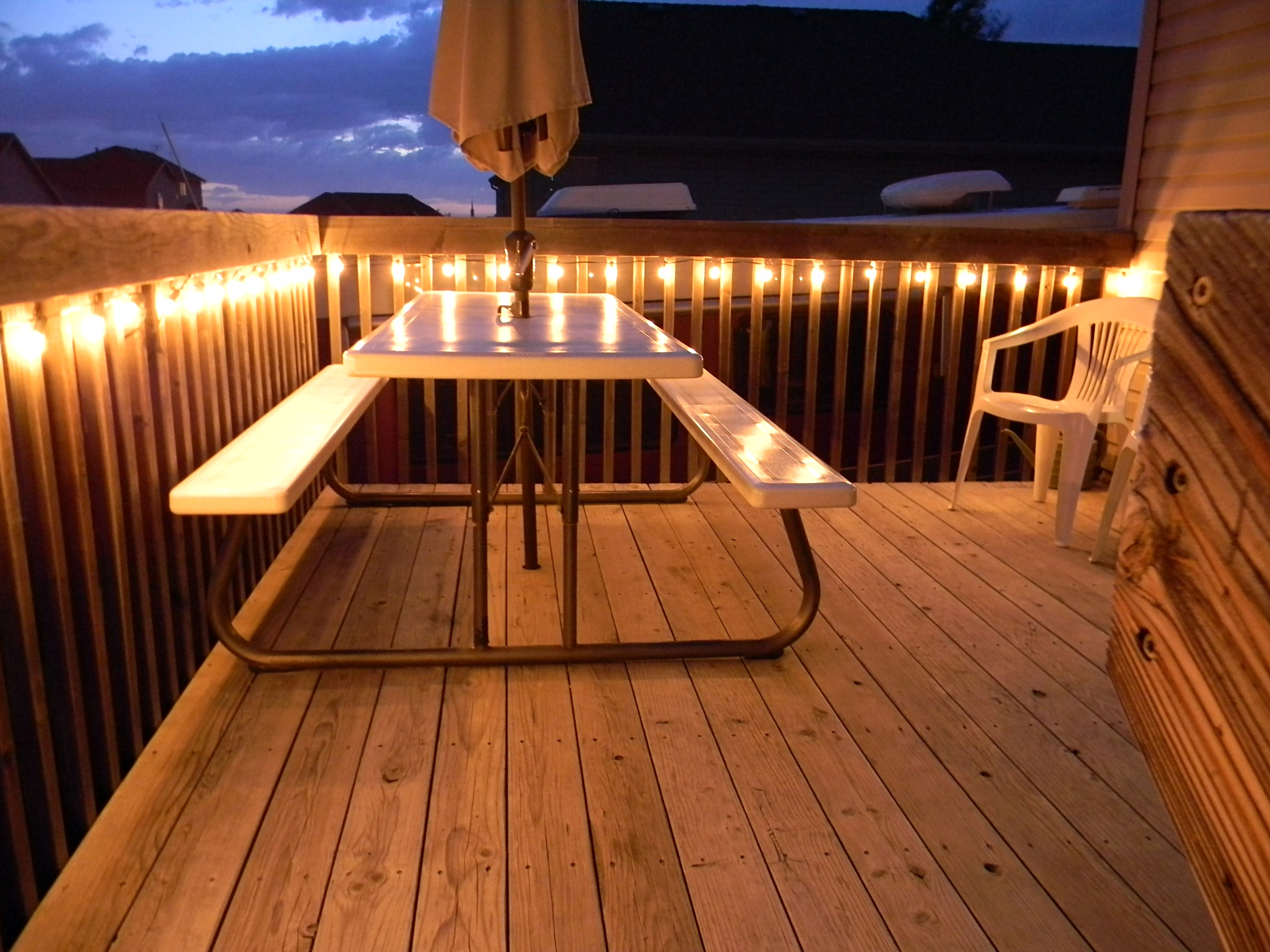 Deck up lights