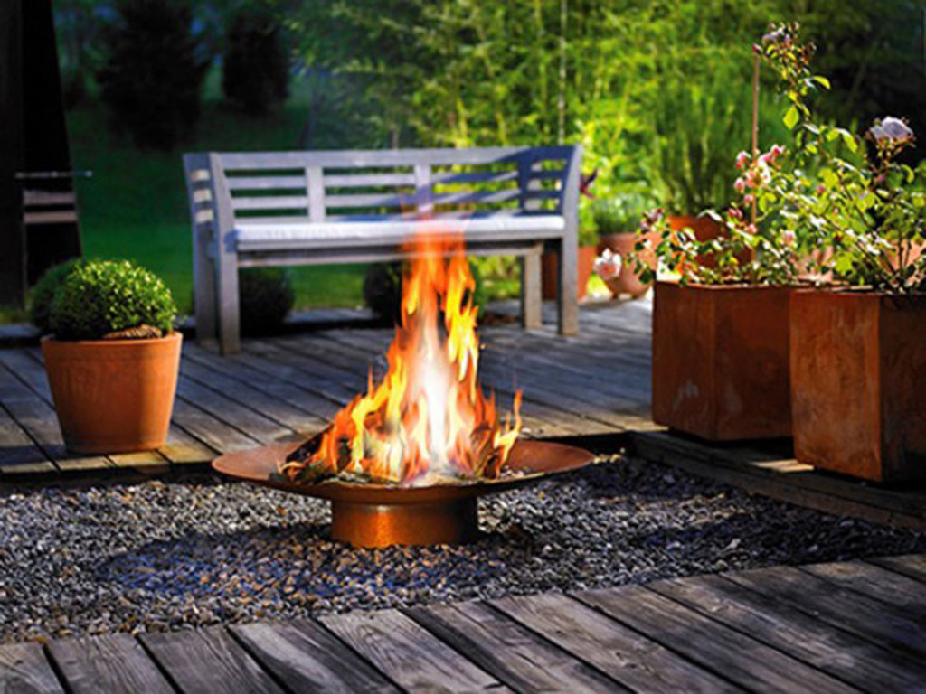 Deck with fireplace design