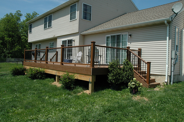 Deck with gate