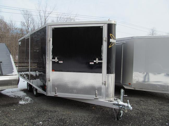 Deckover enclosed snowmobile trailer
