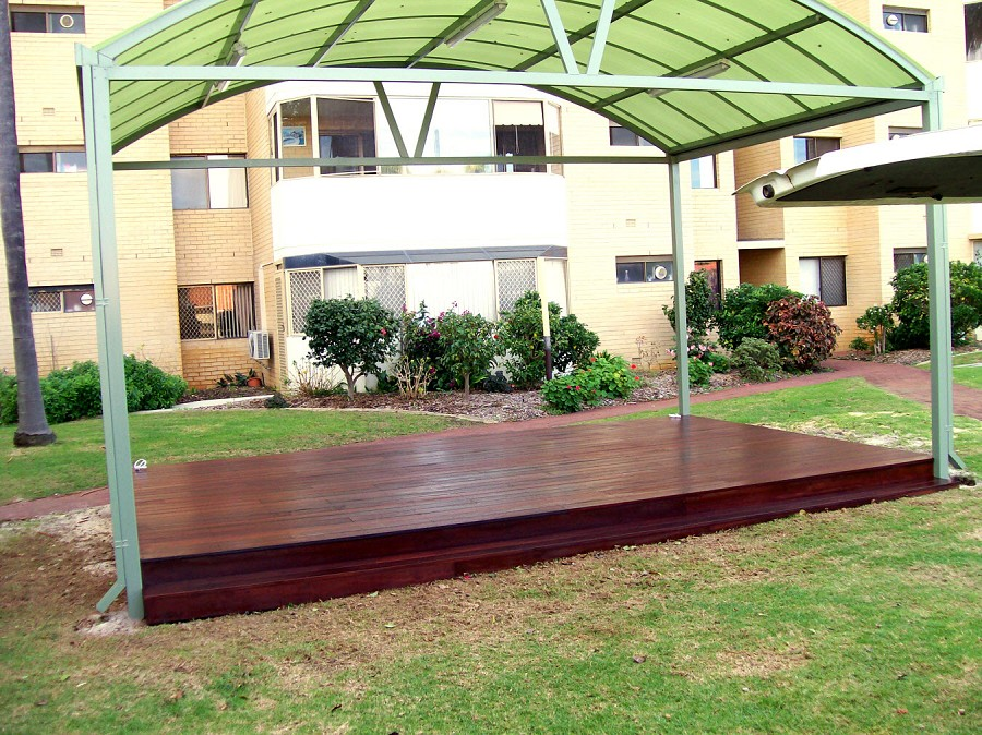 Dry deck shelter extension