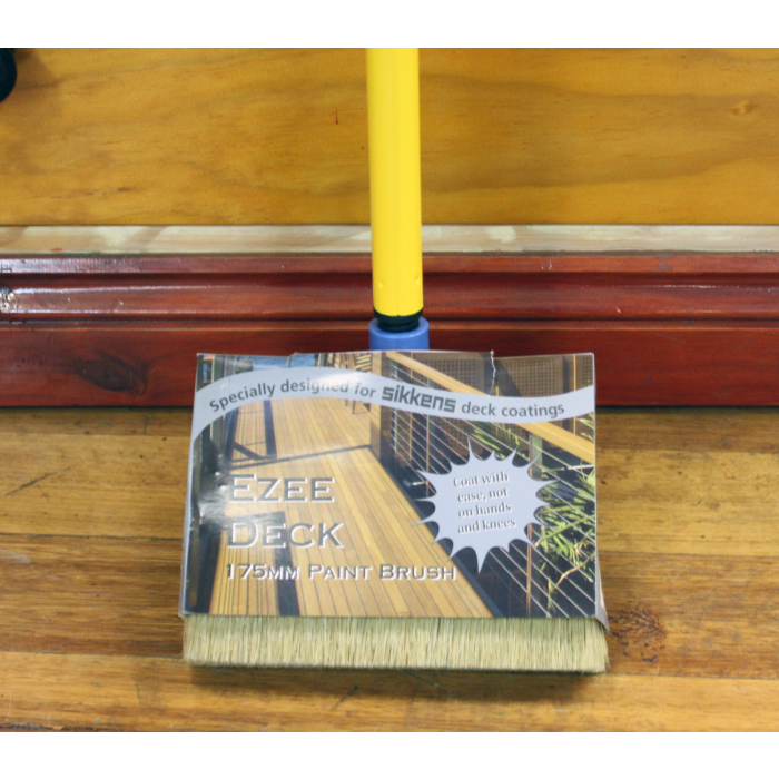 Ezee deck brush