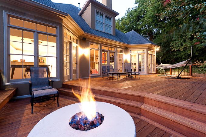 Outdoor open fireplace | Deck design and Ideas
