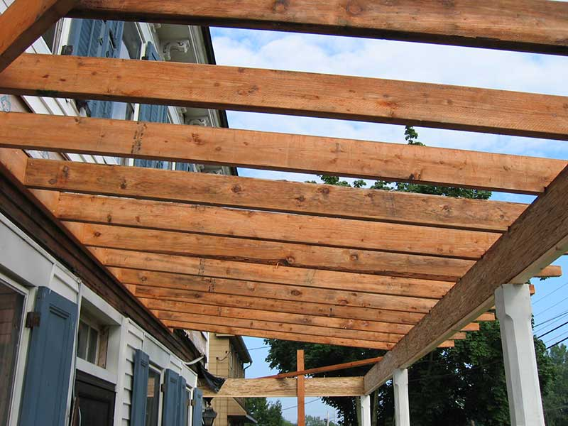Framing a deck roof