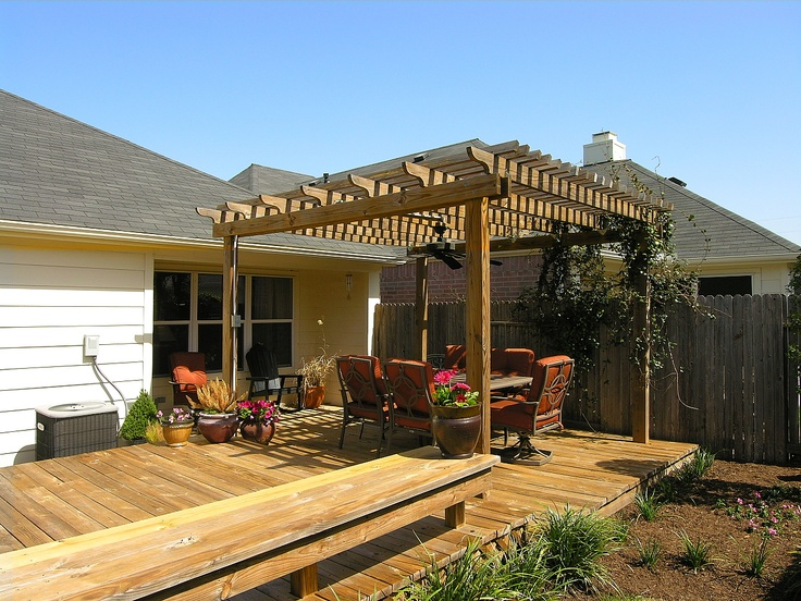 Free standing deck with pergola