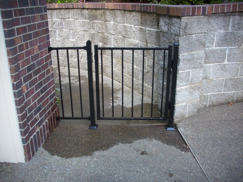 Iron deck gate