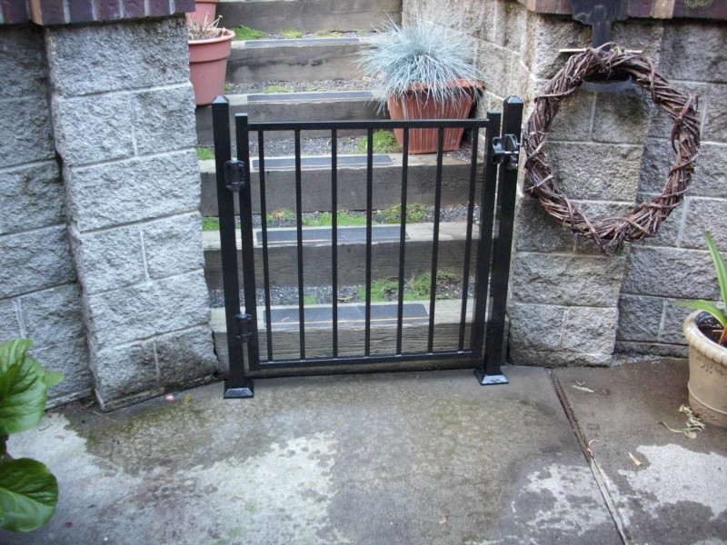 Metal deck gate