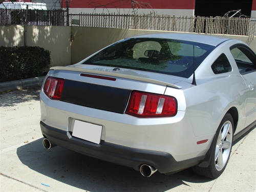 Mustang decklid blackout