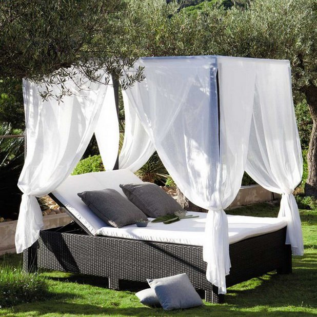 Outdoor canopy bed furniture