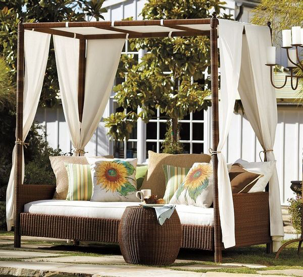 Outdoor canopy decorating ideas