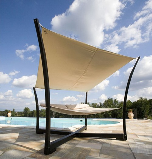 Outdoor canopy hammock