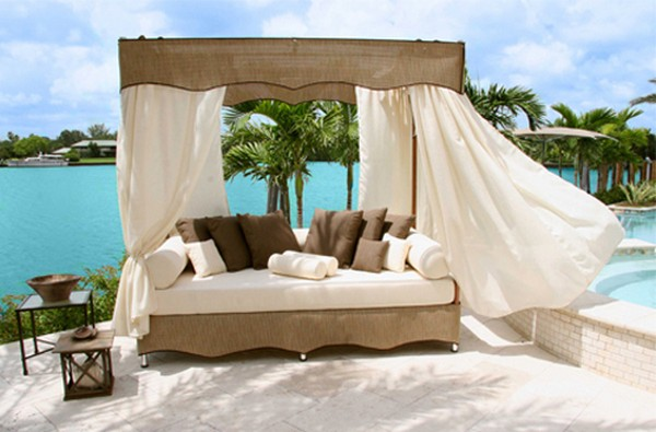 Outdoor canopy lounge bed
