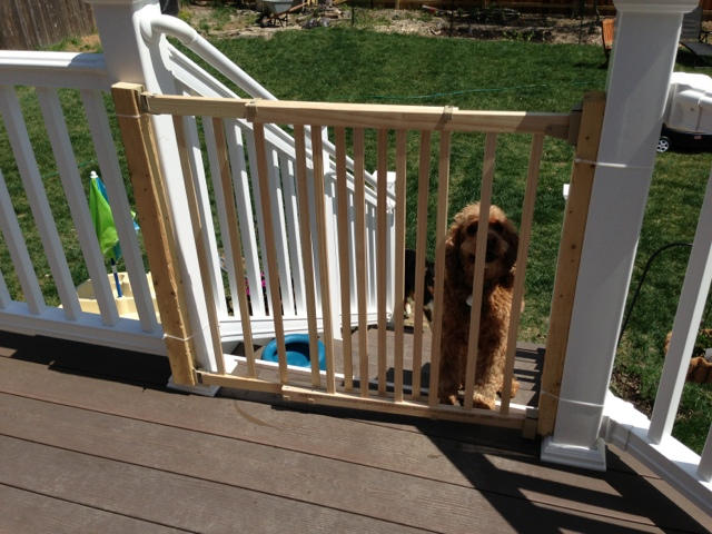 Outdoor deck baby gate