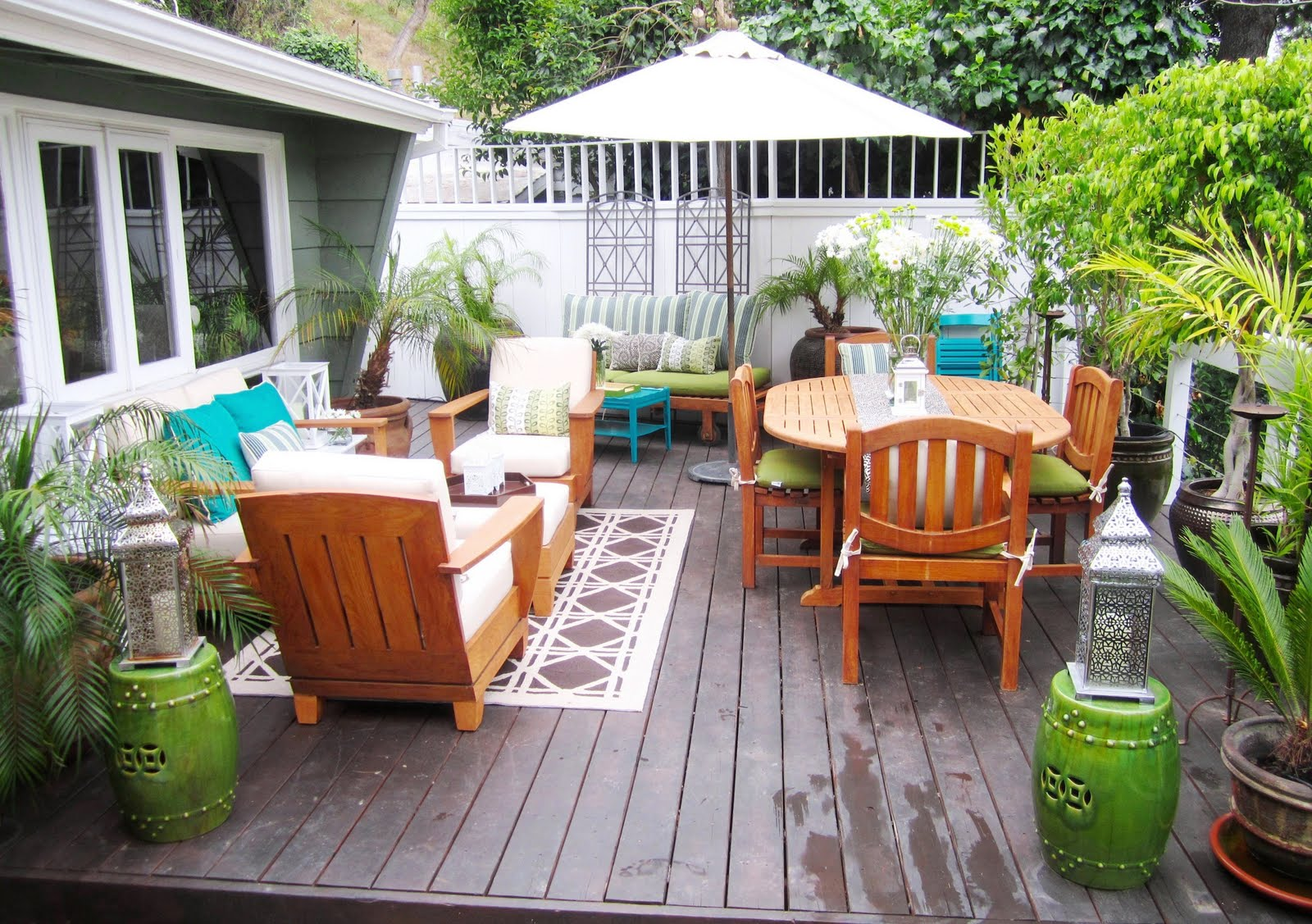 Outdoor deck decorating pictures