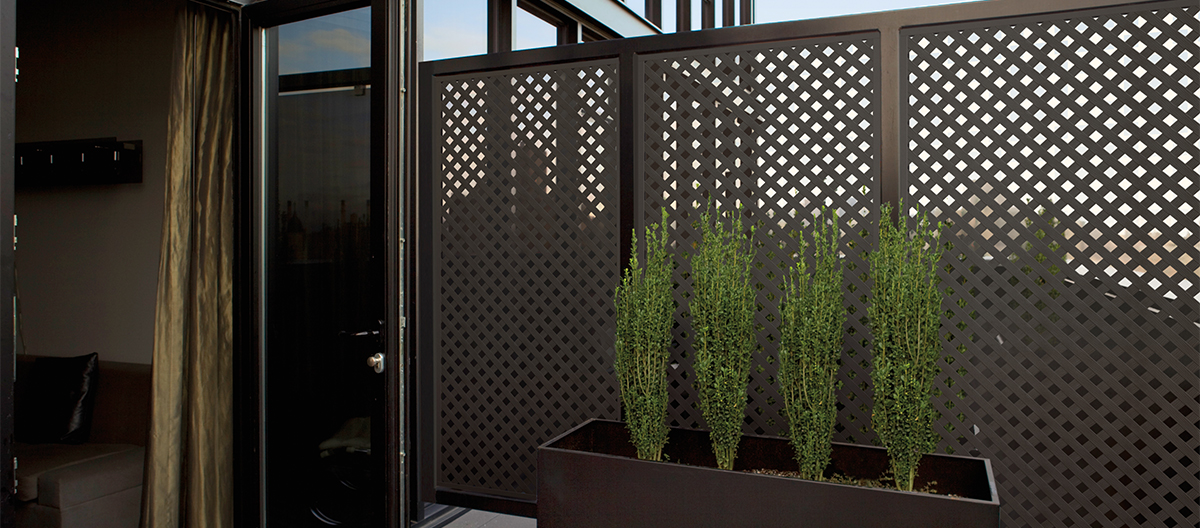 Plastic deck lattice