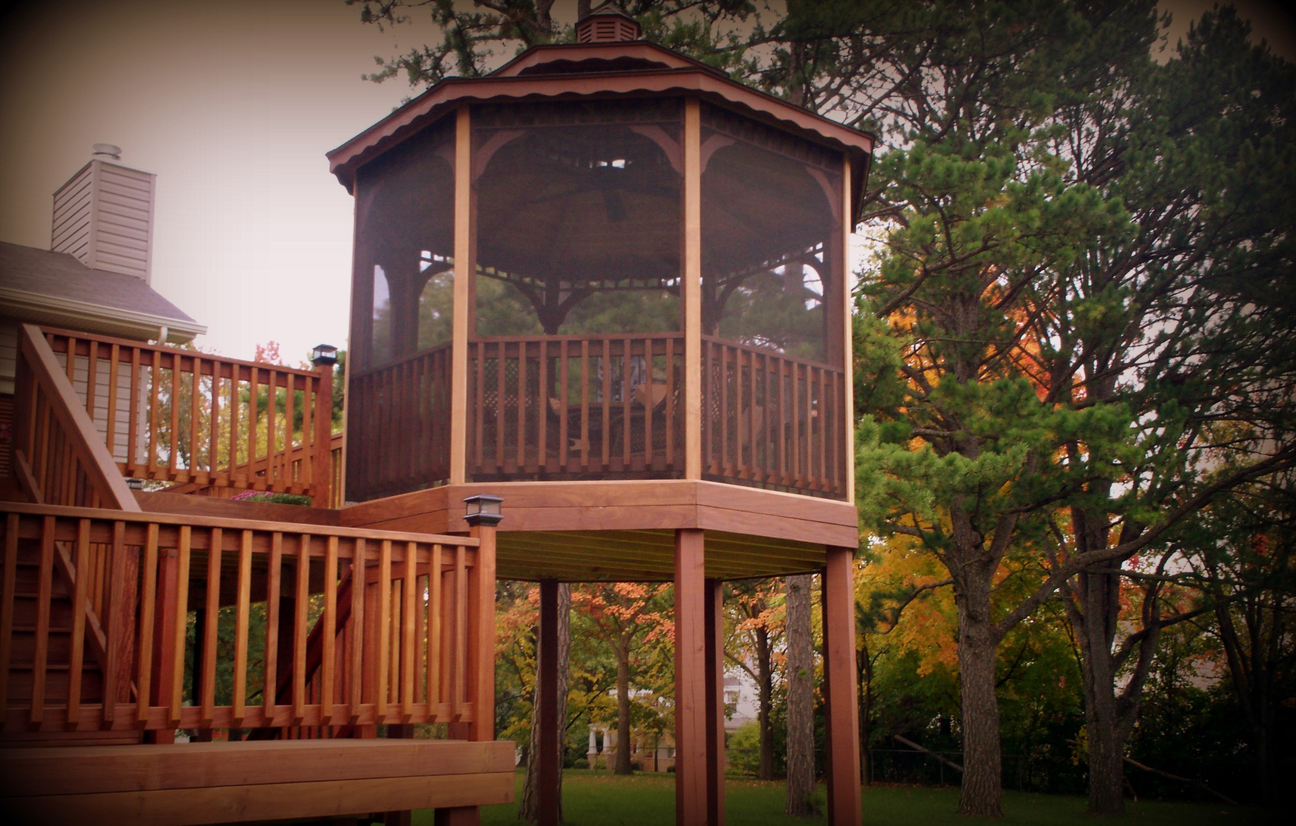 Raised deck gazebo