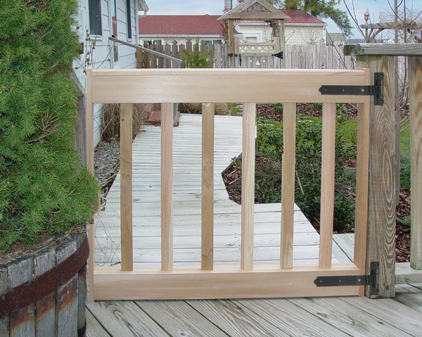 Wooden deck gate designs