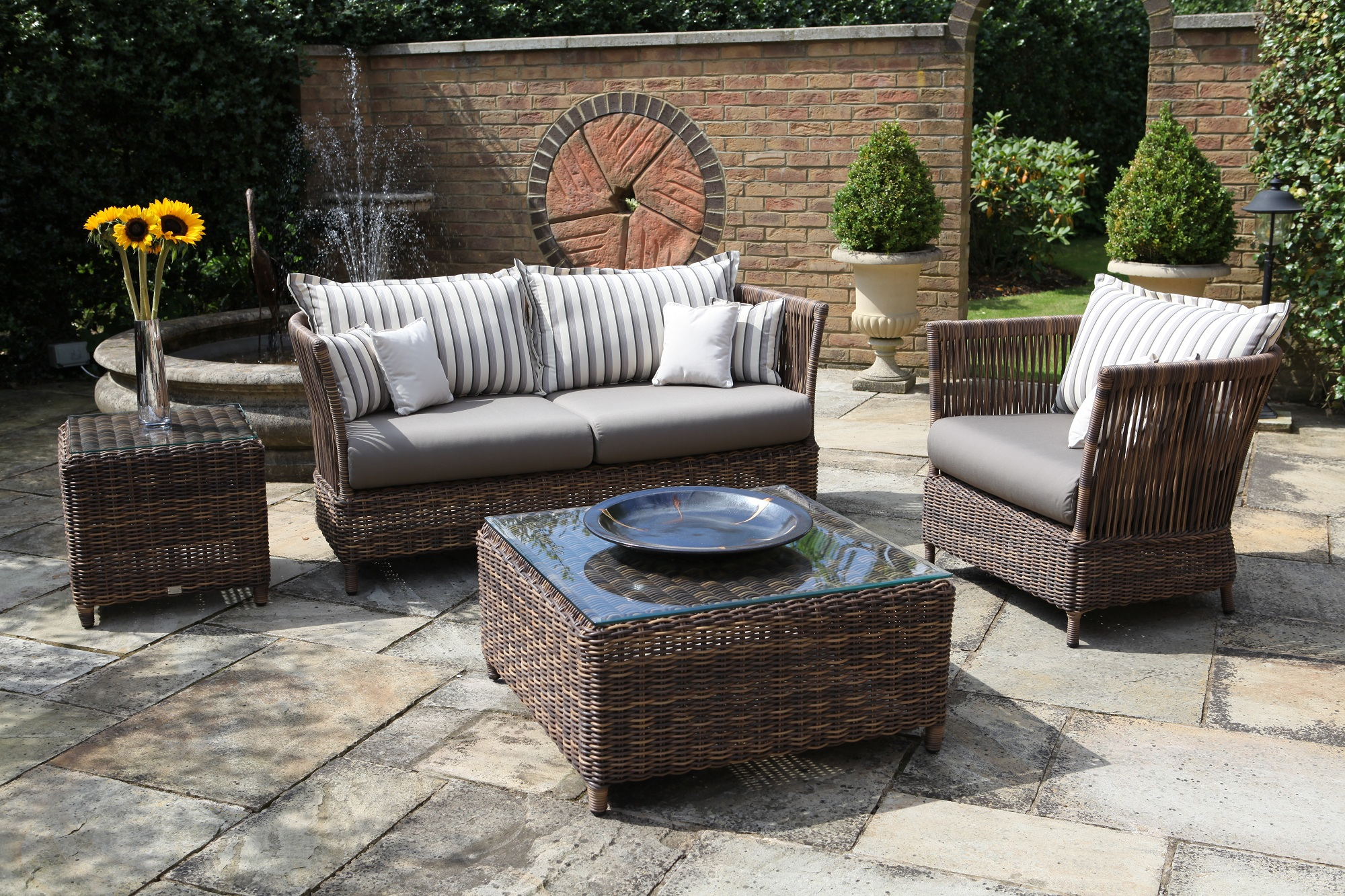 deck furniture pictures