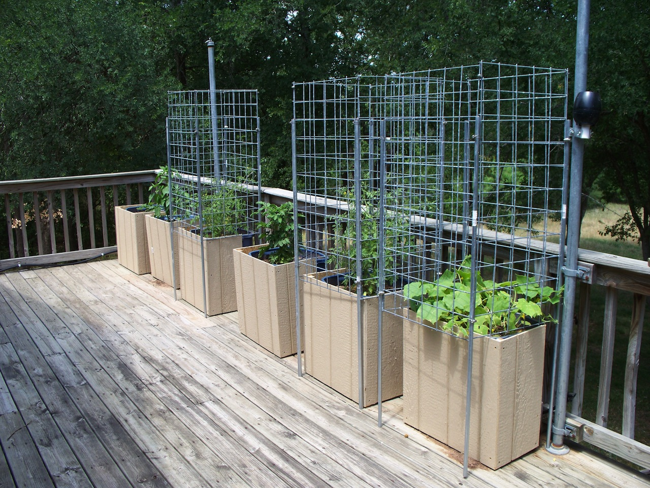 deck gardening containers