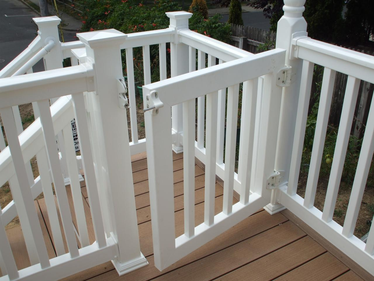 deck gate design ideas