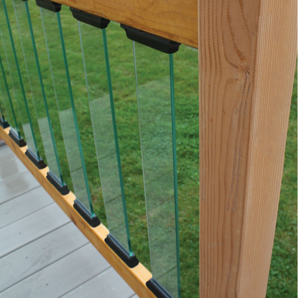 deck glass balusters