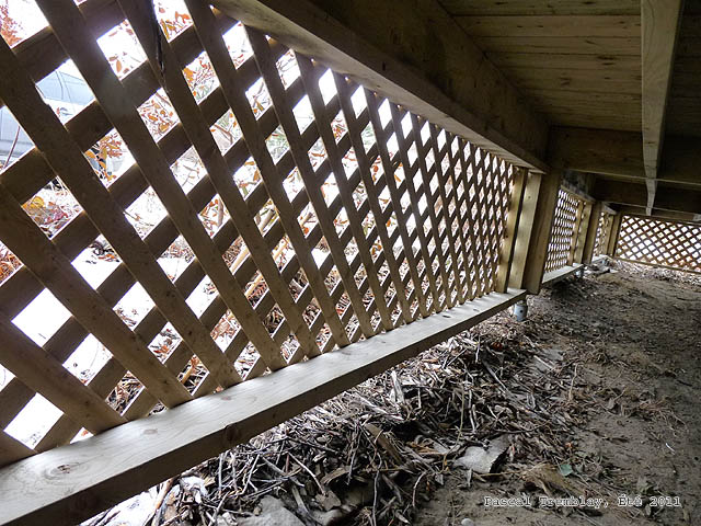 deck lattice frame