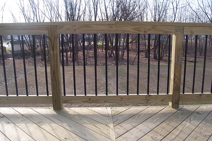 deck railing with balusters