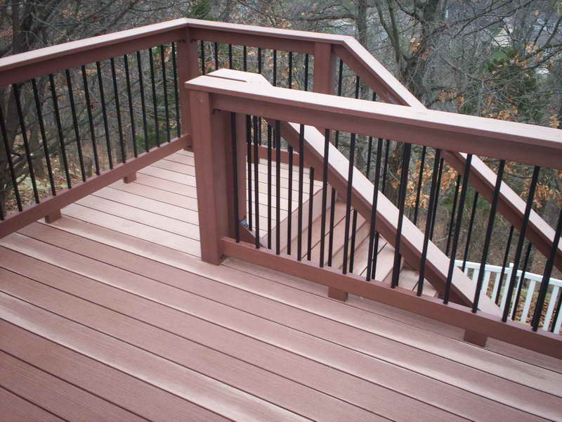 how high should a deck handrail be