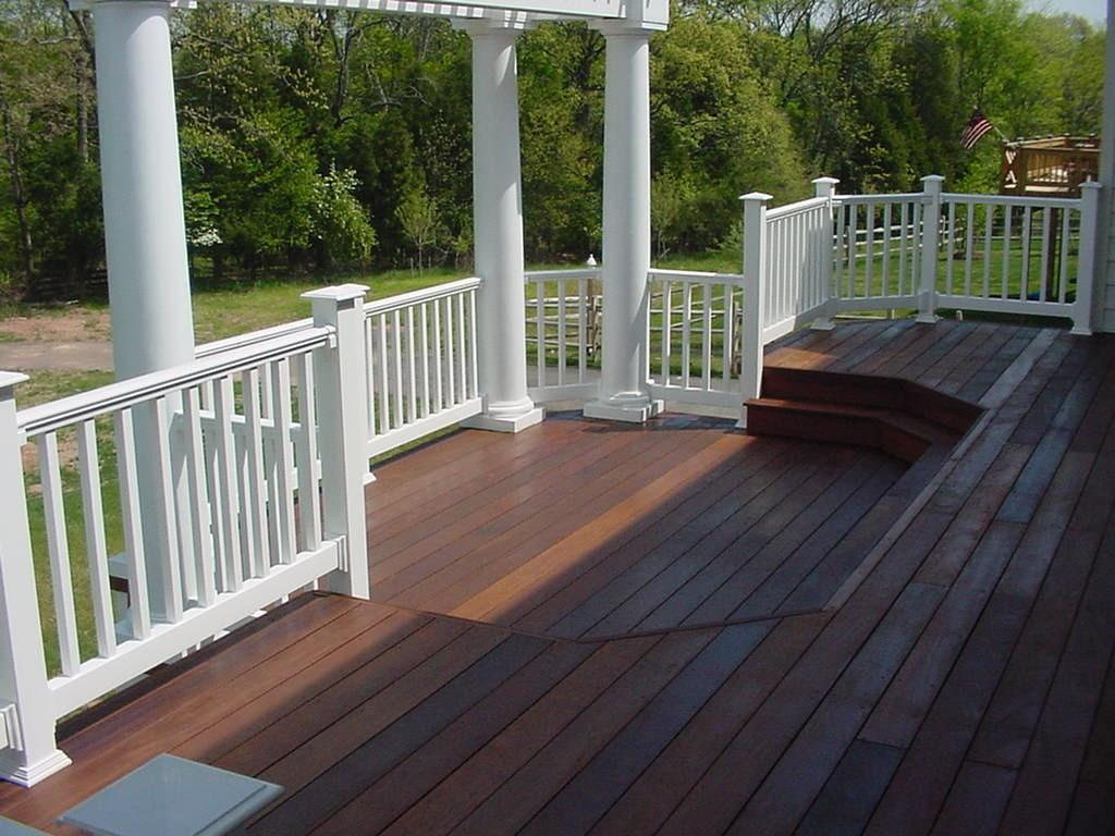wood deck with vinyl railing